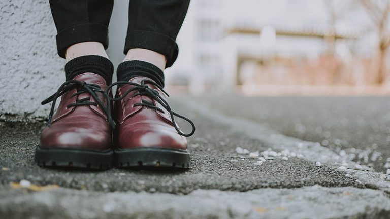 Best Shoes for Standing on Concrete for Long Hours