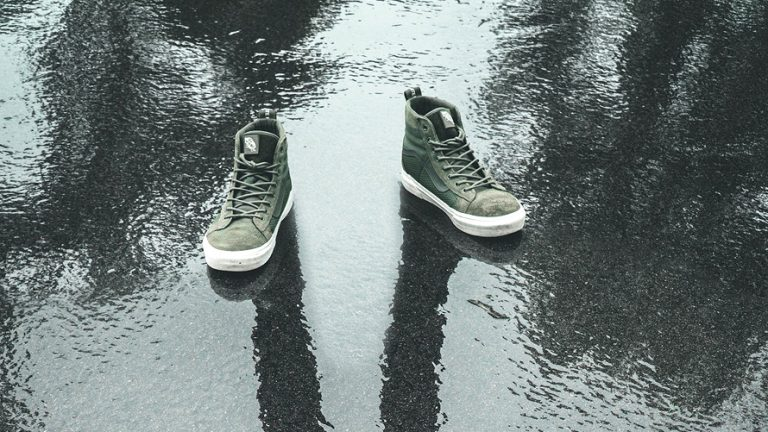 Best Men's Walking Shoes for Rainy Weather