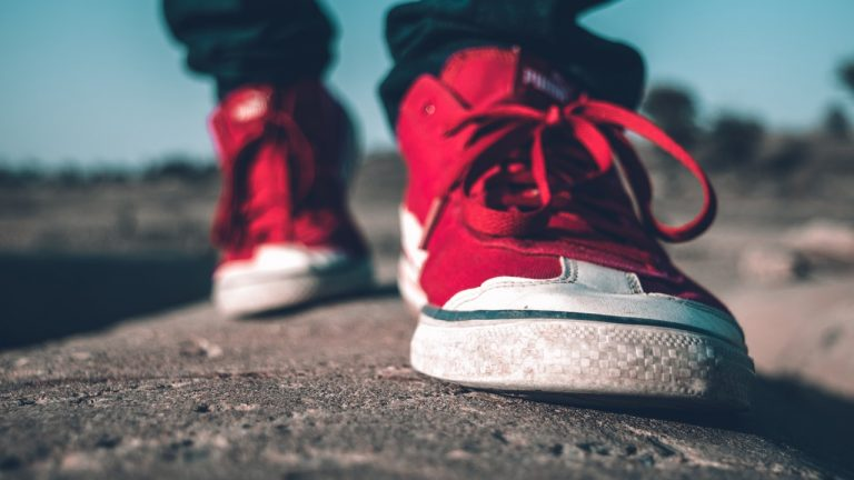 Best Walking Shoes for Overweight Walkers and Heavy Persons