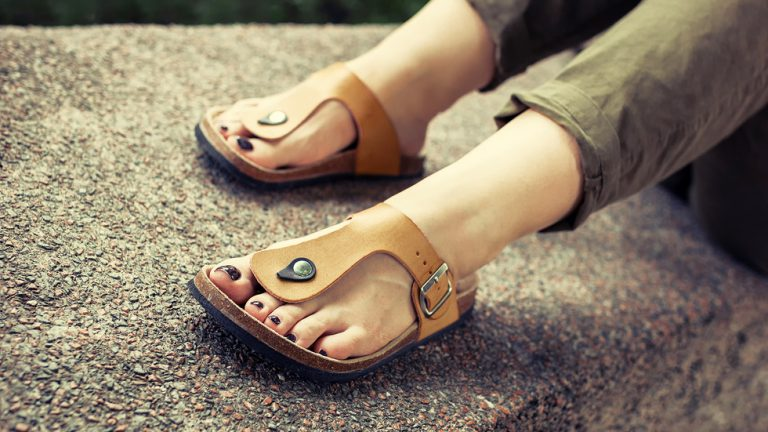 Best Sandals for Flat Feet